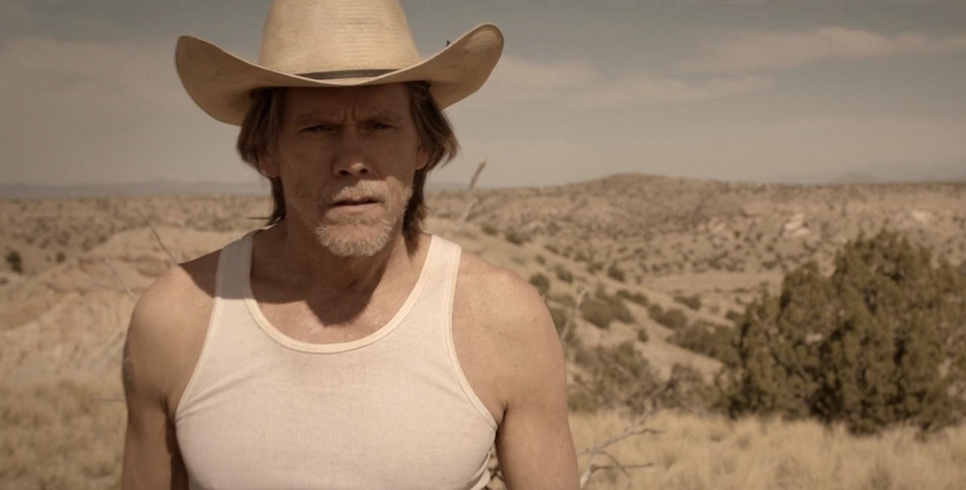 Íme Kevin Bacon a Tremors pilot epizódjának trailerében