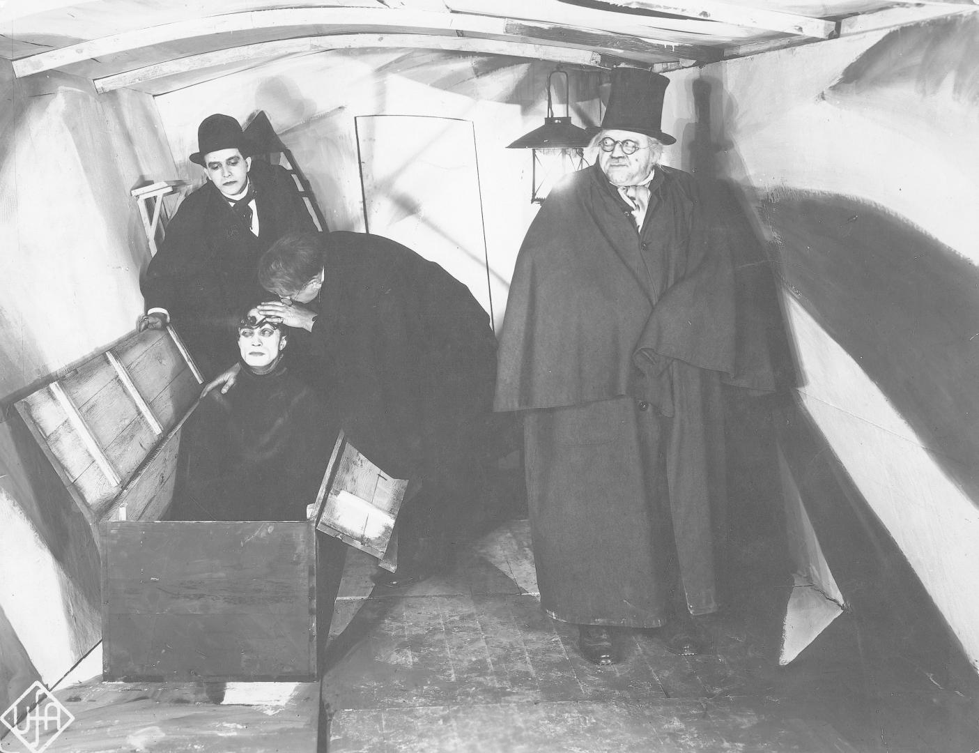 Das Cabinet des Dr. Caligari (1920) 2. kép