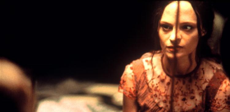 May - Frankenstein játékai (2002) - Gore-Trash