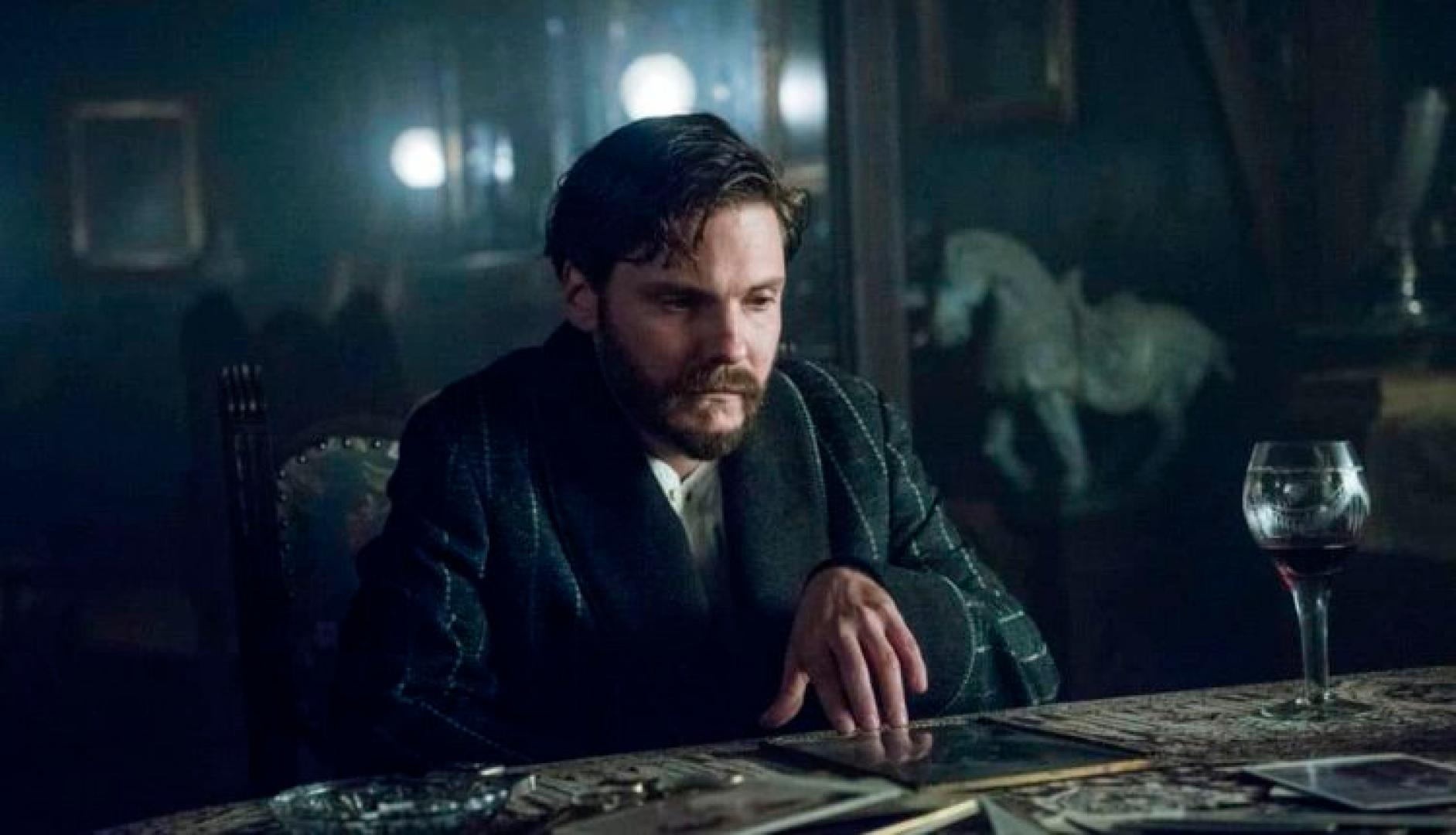 the_alienist1x10_1_kep