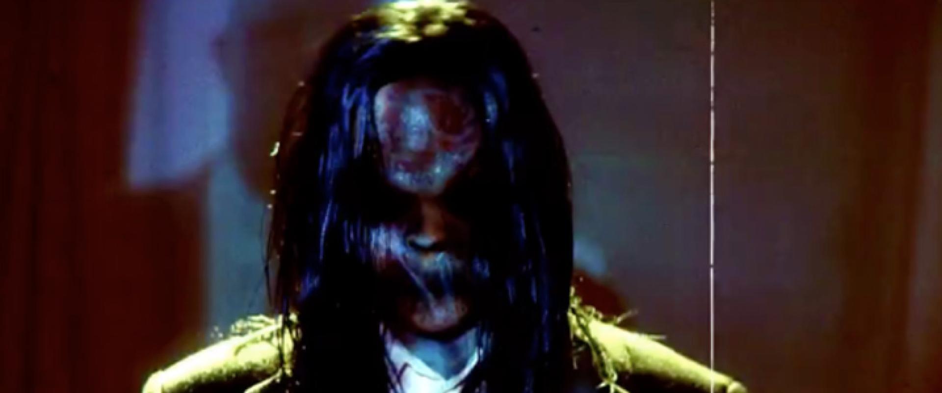 Hogyan készítsünk Sinister-maszkot?
