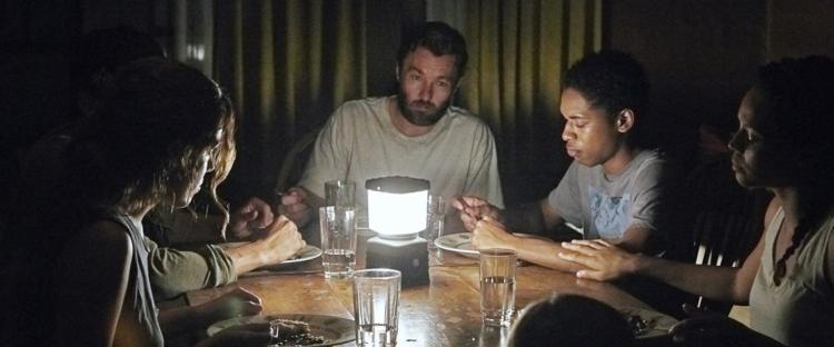It Comes at Night (2017) - Vírus/parazita