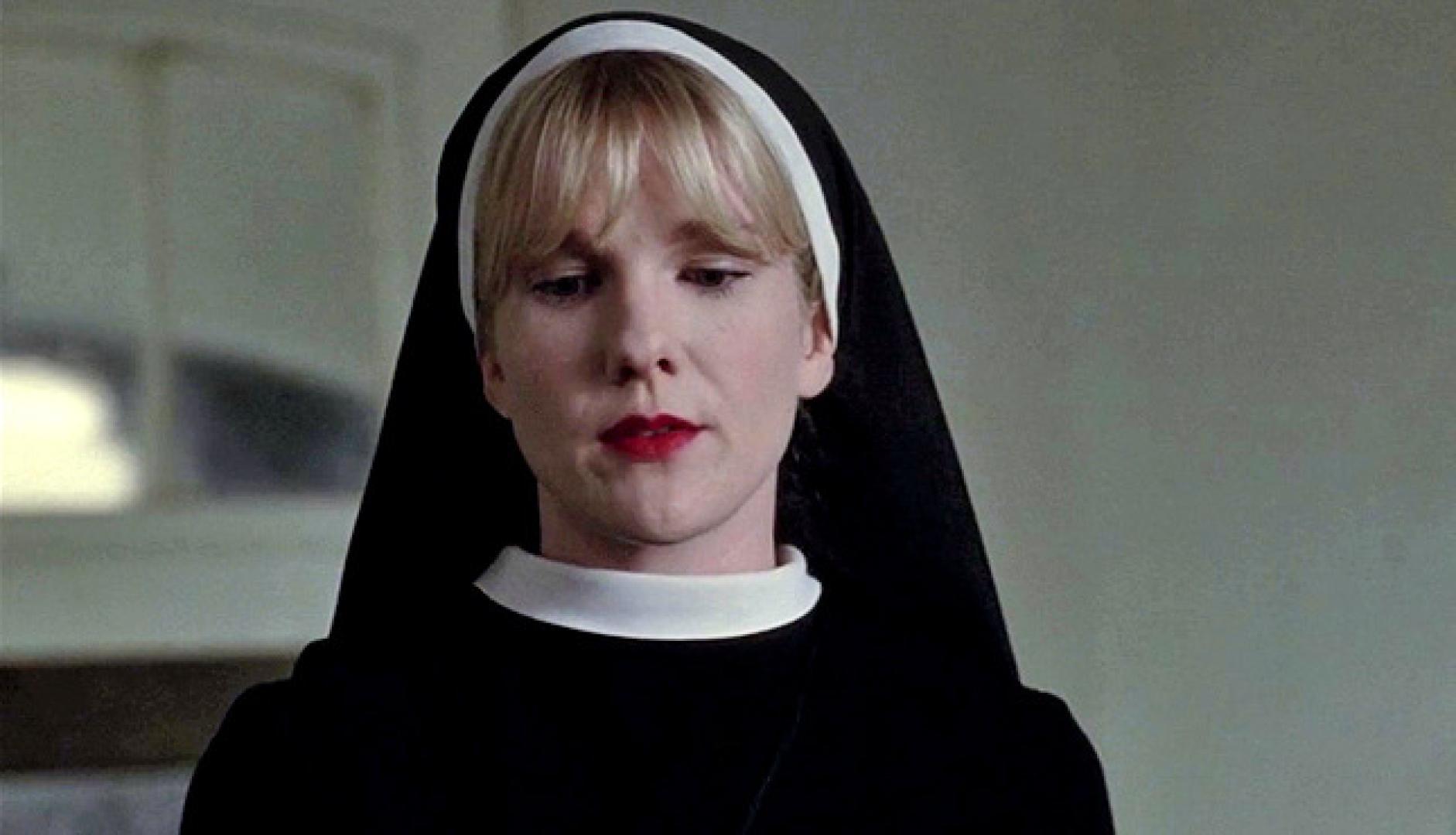Lily Rabe sorozatgyilkos lesz a Hotelban!