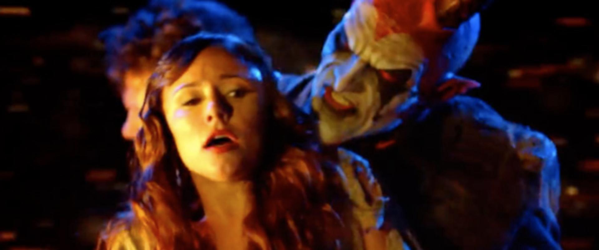 The Devil's Carnival - Alleluia!: a nyitószám
