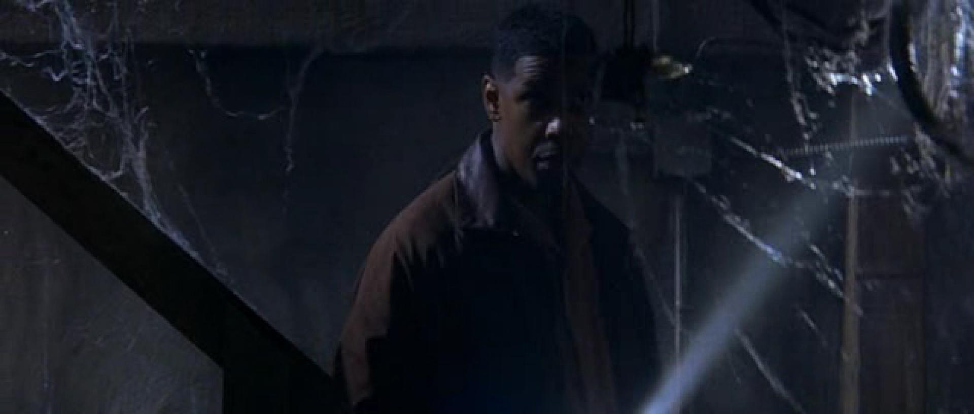 Letaszítva - Fallen (1998)