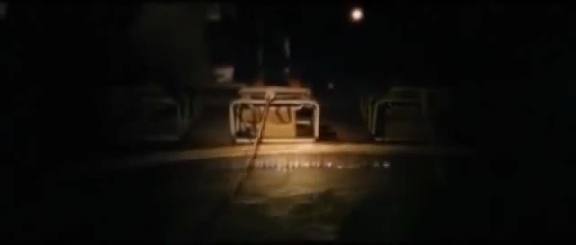 2. úszkálás a medencében