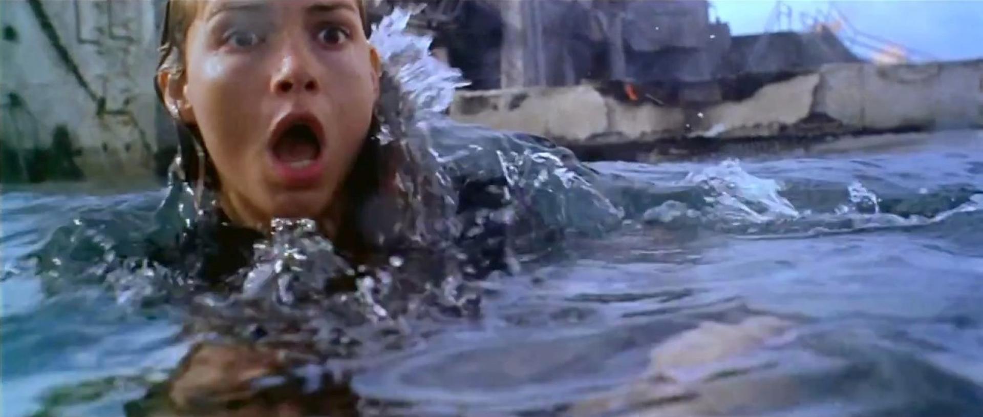 Deep Blue Sea - Háborgó mélység (1999)