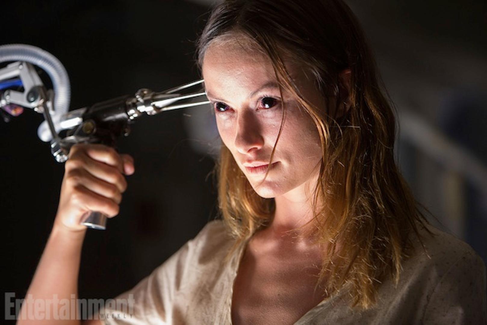 Olivia Wilde ijeszteget a The Lazarus Effectben