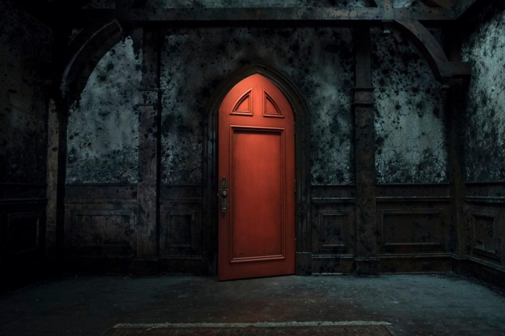 Képek érkeztek a The Haunting of Hill House sorozathoz