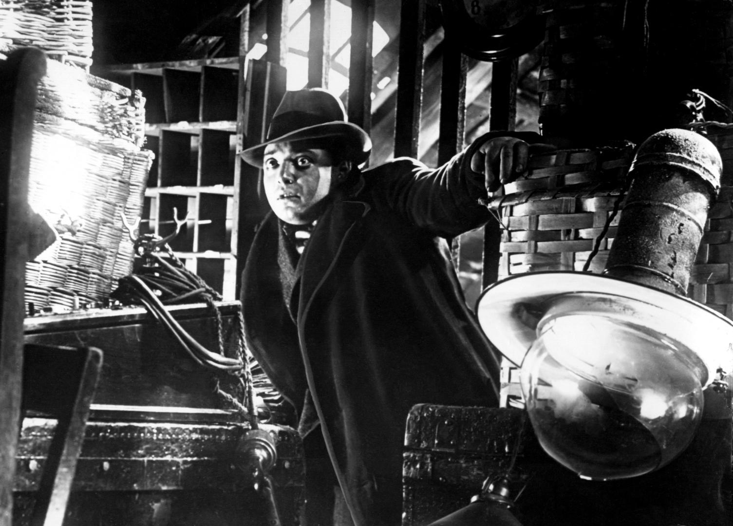 M - Egy város keresi a gyilkost (1931) 1. kép