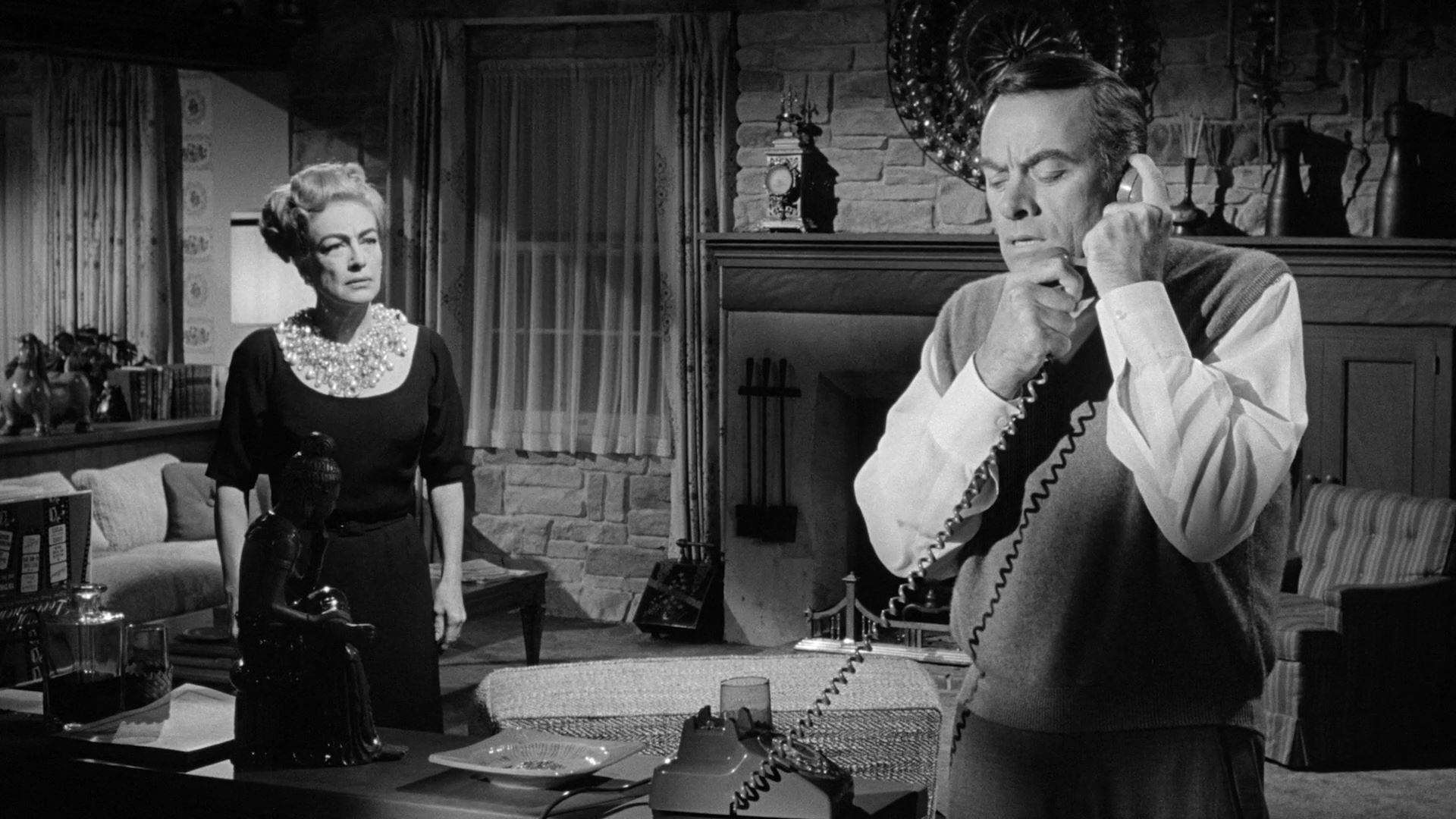 I Saw What You Did (1965) 1. kép